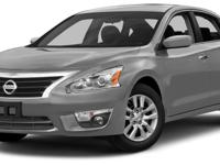 This 2015 Nissan Altima 4dr 4dr Sedan I4 2.5 S features