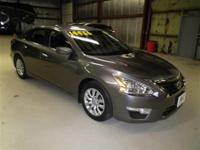 ALTIMA S: 1 OWNER-LOCAL TRADE-BACK UP CAMERA-POWER