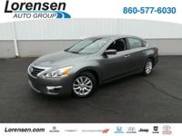 Great deal on this 1-Owner, 2015 Nissan Altima.