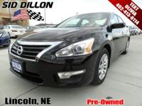 Sturdy and dependable, this 2015 Nissan Altima 2.5 SV