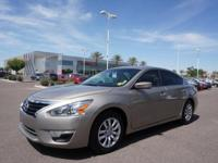 This 2015 Nissan Altima 2.5 S boasts features like a