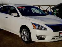 2015 Nissan Altima 2.5 SL CARFAX One-Owner. Clean