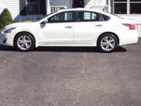 THIS IS A BEAUTIFUL 2015 NISSAN ALTIMA SL. THIS ALTIMA