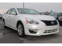 Exterior Color: white, Body: Sedan, Engine: 2.5L I4 16V