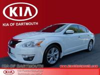 2015 Nissan Altima 2.5 SV FWD White Blue Tooth, Rear