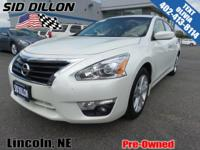 Safe and reliable, this 2015 Nissan Altima 2.5 SV lets