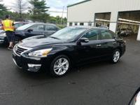 2015 Nissan Altima 2.5 SV Moonroof Navigation CARFAX
