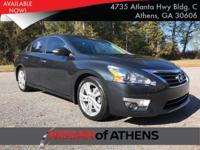 Come see this 2015 Nissan Altima 3.5 SL. Its Variable