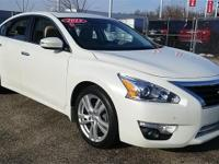 Certified. 2015 Nissan Altima 3.5 SL CARFAX One-Owner.