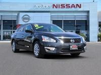 2015 nissan altima gem of a car ! Nissan certified and