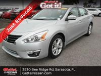 This 2015 Nissan Altima 2.5 SL in Brillant Silver