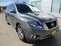 Come and see this 2015 Nissan Pathfinder SL! This is a