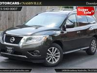 This 2015 Nissan Pathfinder 4dr 4WD 4dr S features a