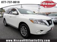 Come see this 2015 Nissan Pathfinder S. Its Variable