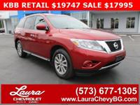 1-Owner trade! New Price! 2015 Nissan Pathfinder S 3.5L