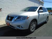 Come see this 2015 Nissan Pathfinder SL. Its Variable