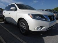 Certified Vehicle! CarFax 1-Owner, This 2015 Nissan