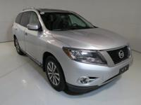 New Price! Clean CARFAX. CARFAX One-Owner. 2015 Nissan