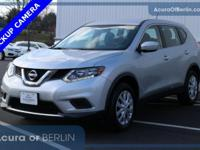 2015 Nissan Rogue S Silver CARFAX One-Owner. *1 OWNER*,