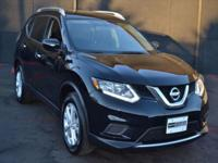This 2015 Nissan Rogue 4dr AWD 4dr SV features a 2.5L 4