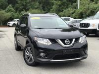 2015 Nissan Rogue Black 32/25 Highway/City MPG Clean