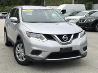 2015 Nissan Rogue Silver 32/25 Highway/City MPG CARFAX