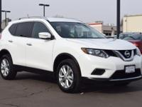 This 2015 Nissan Rogue comes with Black cloth interior,