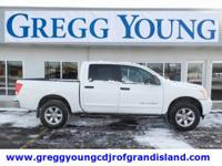 White 2015 Nissan Titan SV 4WD 5-Speed Automatic 5.6L