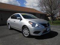 2015 NISSAN VERSA SV WITH ONLY 31K MILES! BRAND NEW