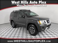 4WD, CarFax One Owner! Navigation, Back-up Camera,