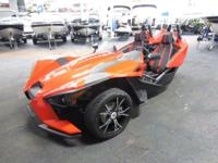 SUPER CLEAN 2015 POLARIS SLINGSHOT SL WITH ONLY 3,025