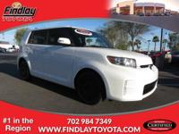 EPA 28 MPG Hwy/22 MPG City! SUPER WHITE exterior and