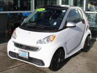 Rare, Local, Loaded!! Crystal White 2015 smart Fortwo