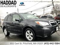 Subaru Forester 2.5i 2015 Black CARFAX One-Owner. Clean