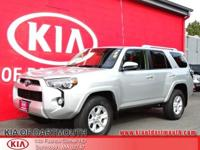 2015 Toyota 4Runner 4WD Silver 4WD.Clean CARFAX.