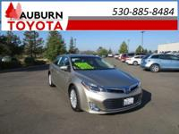 LOW MILES, 1 OWNER, LEATHER!!  This 2015 Toyota Avalon