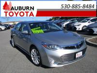 NAVIGATION, LEATHER, MOON ROOF! This great 2015 Toyota
