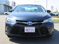 Options:  2015 Toyota Camry Sedan Hybrid Se|Blue|2.5L