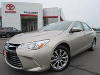 This 2015 Toyota Camry hybrid comes equipped with power