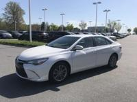 Super White 2015 Toyota Camry SE FWD 6-Speed Automatic