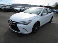 XSE trim. FUEL EFFICIENT 35 MPG Hwy/25 MPG City! CARFAX