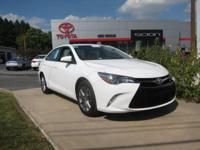 ONE OWNER!! 2015 CAMRY SE!! TOYOTA CERTIFIED 7