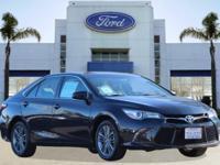 Options:  2015 Toyota Camry Se Blue/ V4 2.5 L