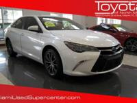 Options:  2015 Toyota Camry Xle|White/|V6 3.5 L