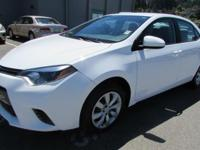 FUEL EFFICIENT 38 MPG Hwy/29 MPG City! CARFAX 1-Owner,
