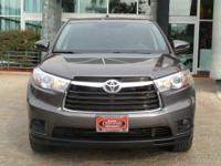Options:  2015 Toyota Highlander Le|Predawn Gray