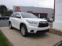 ONE OWNER!! 2015 TOYOTA HIGHLANDER LE!! AWD, 3.5L V6,