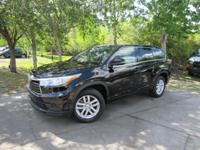 Options:  2015 Toyota Highlander Le|This 2015 Toyota