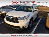 CARFAX One-Owner.2015 Toyota Highlander XLE V6 White