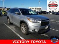 2015 Toyota Highlander XLE V6 in Silver starred